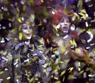 Grizabella (Linda Balgord) and Bombalurina (Marlene Danielle) admist confetti.