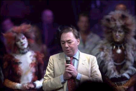Webber making a speech right after the last show. Bombalurina (Marelene Danielle) and Rum Tum Tugger(Stephen Bienskie) can be seen in the background.